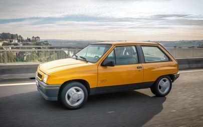Novo Opel Corsa estreia no Salão de Frankfurt ao lado de um raro Corsa GT que viajou de Portugal