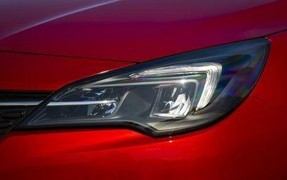 Em nome da eficiência: novos Opel Corsa e Opel Astra com faróis de LED que poupam energia