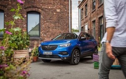 Opel Grandland X: desempenho, elegância e tecnologia