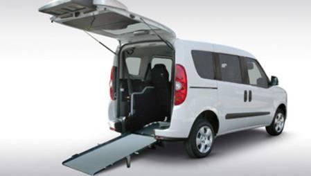 Veículo acessível a cadeiras de rodas